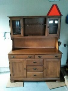 Wooden china cabinet / hutch