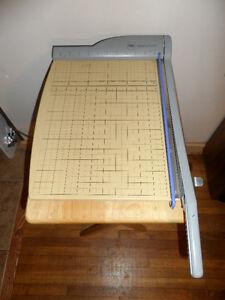 """GBC CL310 15"""" 15-Sheet Guillotine Paper Cutter / Trimmer"""