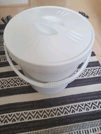 BRAND NEW nappy bin 16L White