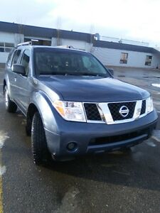 2007 Nissan Pathfinder SUV, Crossover (PRICE REDUCED)
