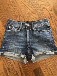 2cf0ab3392 Levis Shorts | Kijiji in Ottawa. - Buy, Sell & Save with Canada's #1 ...