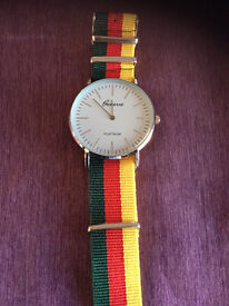 Green red. Yellow. NATO watch