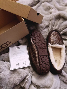 UGG slippers BNIB