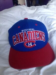 Snapbacks Mitchell And Ness for sale / à vendre