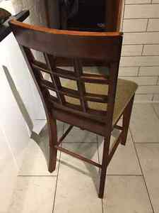 Counter Height Dining Room Table and Chairs Oakville / Halton Region Toronto (GTA) image 4