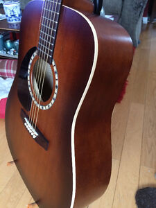 Art & Lutherie Acoustic Guitar Left Hand