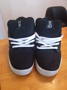 Emerica Skate Shoes - Size 14 US Mens
