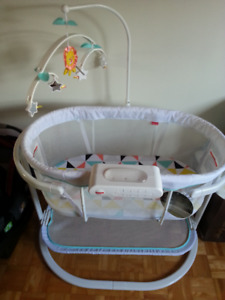 Couchette Fisher-Price mouvements apaisants