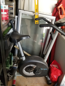 Bicycle stationnaire /stationary bike