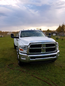 Dodge Ram 3500 Dually 2011