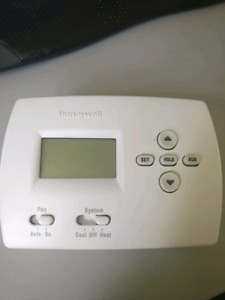 Honeywell 5 Day programmable Thermostat