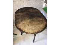 Solid wood folding round top table