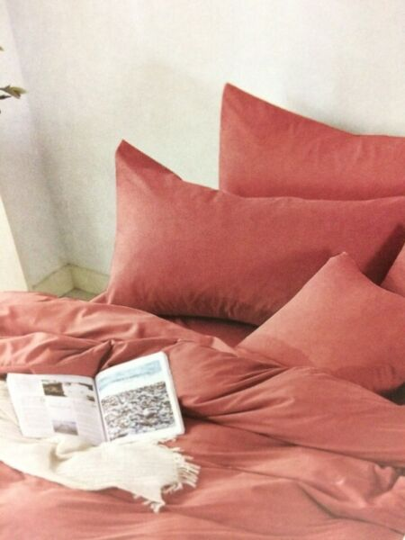 QUEEN BED RUBY RED Fitted BedSheet +2 Pillowcases Set