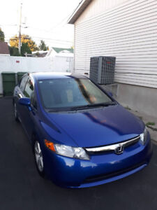 Honda Civic 2006 LX sedan - 130000 KM