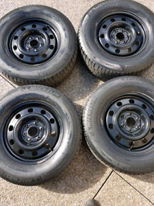 Michelin Latitude X Ice tires with rims 245 70r17