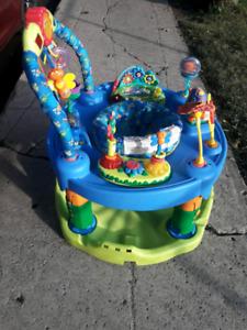 Exerciseur pour enfant valeur neuf 100$