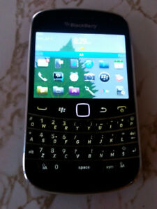 BLACKBERRY BOLD 9900 TOUCH-SCREEN SMARTPHONE