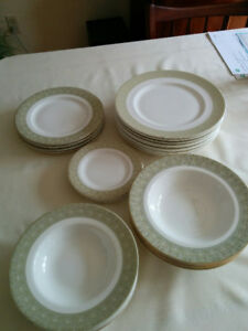 Royal Doulton, Fine Bone China Dishes