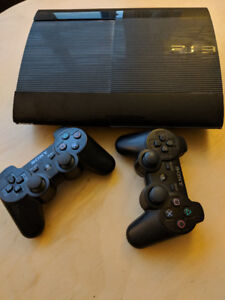 PS3 Slim 500G + Controllers + Games