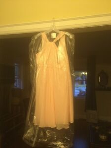 David's bridal bridesmaids dress size 10 petal colour