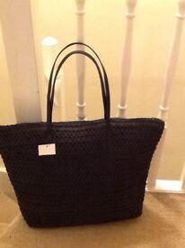 🔳➰👜 H&M brand new black large woven shoulder bag lined