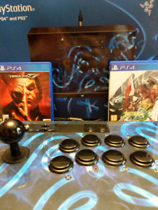 Selling Razor Pantera arcade stick with 2 fighting games - $300!
