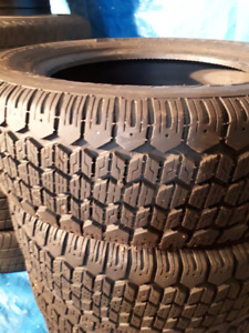 PNEUS D'HIVERS AVEC JANTES/WINTER TIRES WITH RIMS