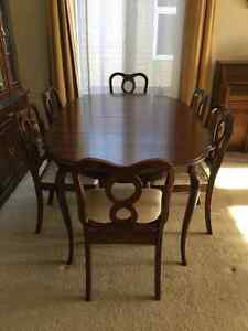 A Set of Gibbard Solid Cherry Dinning Table and Chairs