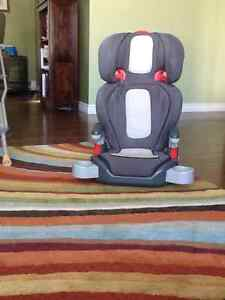 Graco booster seat with back