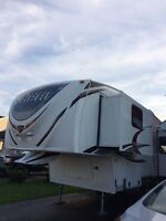 2012 SABRE by forest river, 5 th wheel trailer