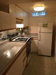 1 bedroom apartment in Newmarket - $900/mth including utilities