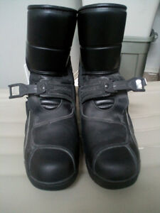 Rocket Boots size 42 Never worn