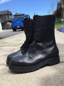 Big Black Boots - Size 10 - Like new!