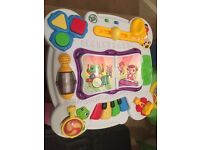 Kids leapfrog play table