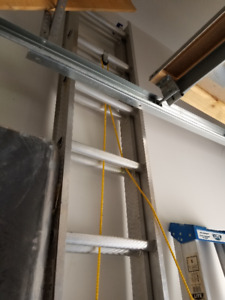 LITE 20-ft Aluminum Extension Ladder, Grade 3