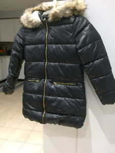 BRAND NEW GIRL size 10/12 WINTER JACKET WITH TAG$35.00
