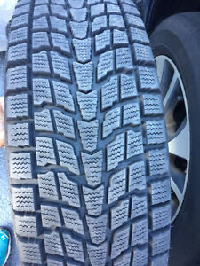 Like new 4 205/70/16 directional winter tires