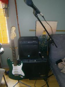 Amplificateur, guitare, moniteur voix, mic&stand