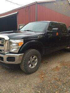 2013 f250 crew cab gas must be sold this week