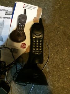 900mhz portable phone - - mobile inside house - $5