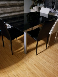 Dining/kitchen table black glass