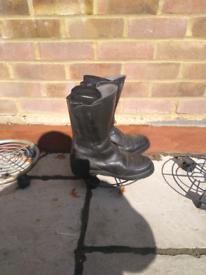 Daytona UK size 9 winter bike boots