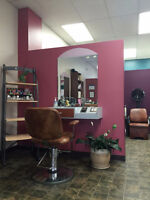Unisex Hairdresser Chair for Rent - South Keys Area