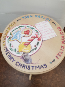 Santa Treat Pedestal Table