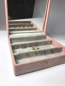 7 Pairs Of 9ct Gold Stud Earrings