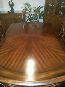 Magnifique table de cuisine  faite une offre