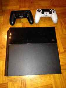 Playstation 4 (PS4) À VENDRE/FOR SALE