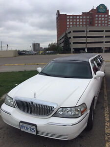 2004 Lincoln Town Car Stretch Limousine