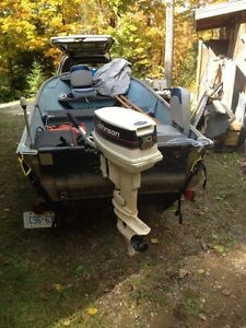 16 ft Princecraft 30hp Johnson trailer