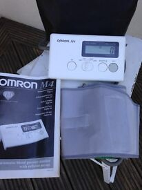 Blood Pressure Monitor OMRON M4